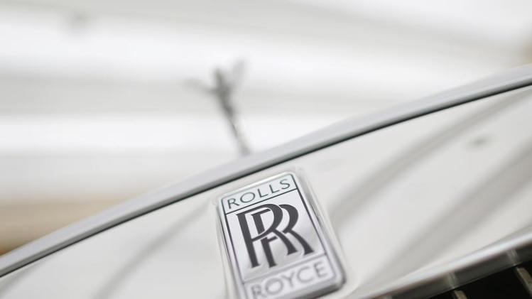rolls-royce-suv-logo